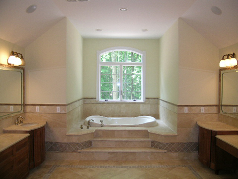 A grand bath to relax in!